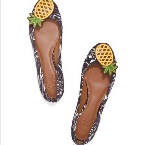 Tory Burch Pineapple Flats size 6